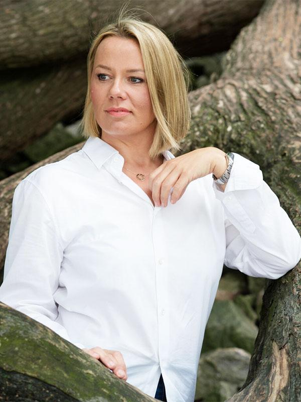 Sara Hennemann - staatlich geprüfte Kosmetikerin im Berich medizinische Kosmetik